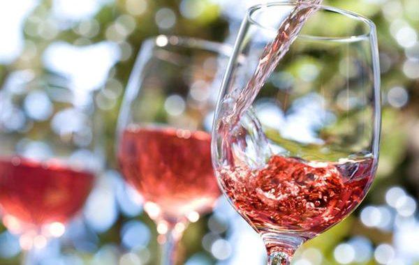Fantasía 'rosé': cómo los vinos rosados han pasado de ser ninguneados a unos de los más buscados